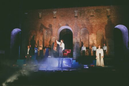 Με την παράσταση μουσικού θεάτρου «Lord Byron: Ποιήματα στη λάσπη» συνεχίζονται στο Δήμο Ήλιδας οι εκδηλώσεις για τα 200 χρόνια από την Ελληνική Επανάσταση του 1821
